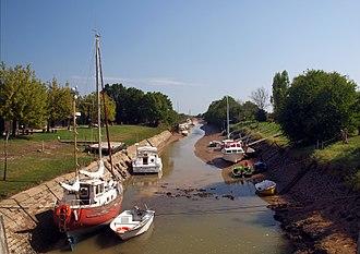Jau-Dignac-et-Loirac - Image: Jau Dignac Loirac Port de Richard Fb