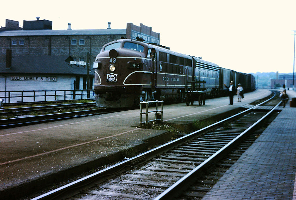 The E9 Was A 2 400 Horsepower 1 790 Kw A1a A1a Passenger Train Hauling Diesel Locomotive