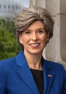 Joni Ernst official portrait (cropped).jpg