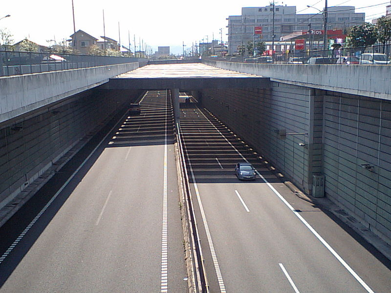 File:Ken-O expressway Ome tunnel 20100425.jpg