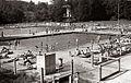 Kopališče Mariborski otok v zgodnjih opoldanskih urah ob lepem vremenu 1956.jpg