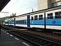 Kralupy nad Vltavou, nádraží, elektrická jednotka 451 v novém nátěru.JPG