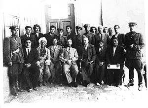 Qazi Muhammad - Kurdish Mahabad Republic was established in 1947 - The President Qazi Muhammad In The Middle