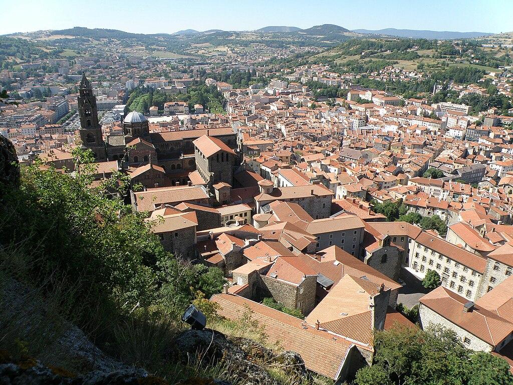 Vue panoramique sur Le Puy en Velay.