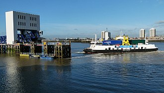 Woolwich Ferry - James Newman approaching Woolwich in December 2015