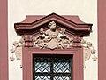 Lovecký zámek Ohrada - detail okna.jpg