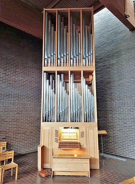 Datei:München-Neuperlach, Lätarekirche (WRK-Orgel) (1).jpg
