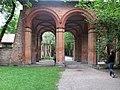 MünchenAlterSüdfriedhofPfeilerbau.jpg
