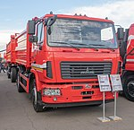 MAZ-555026 long-haul truck with MAZ-857100 trailer (02).jpg