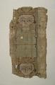 MCC-42254 Beige-groen fragment van albe met orante, patroon van menselijke figuren, reliek van H. Lebuinus (1).tif