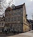 Maastricht, Hoogbrugstraat-Ruiterij, Poort van Beusdael (cropped).jpg