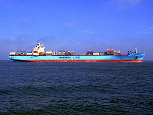 Maersk Greenock pA approaching Port of Rotterdam, Holland 08-Apr-2007.jpg