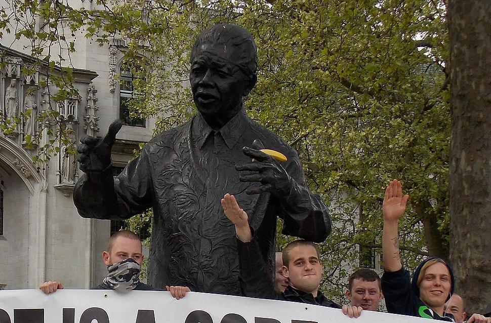 Mandela statue defaced