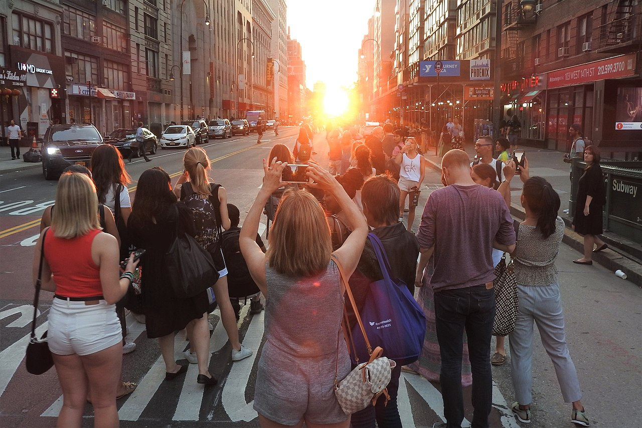 Manhattanhenge 2019-3 jeh.jpg