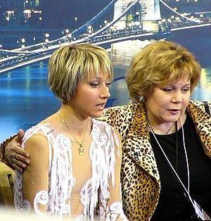 Halyna Kukhar - Kukhar at the 2004 European Championships with Galina Efremenko