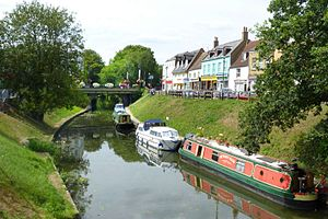 March, Cambridgeshire - Image: March High Street bridge river