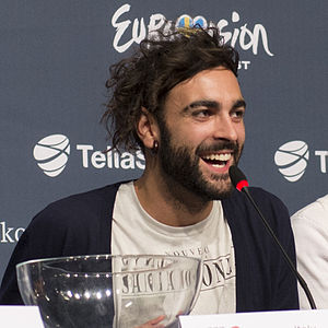 L'essenziale - Mengoni during the press conference preceding the Eurovision Song Contest 2013.