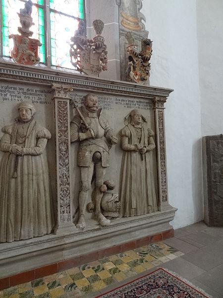 File:Marienstiftskirche Lich Epitaphe 09.JPG