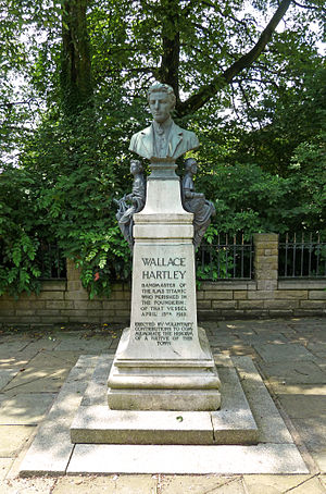 Memorials and monuments to the RMS Titanic victims - Memorial to Wallace Hartley, Colne