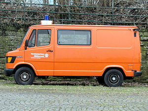 Mercedes 307D Technisches Hilfswerk Ortsverband Sultzbach.JPG