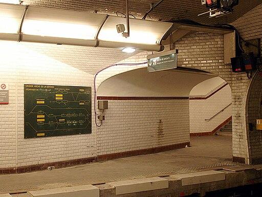 Metro de Paris - Ligne 1 - Porte Maillot 13