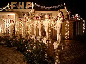 Replicas of Michelangelo's David - Reduced-scale copies of David in Los Angeles, decorated for Christmas 2005