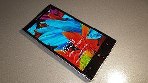 Microsoft Nokia Lumia 930.jpg