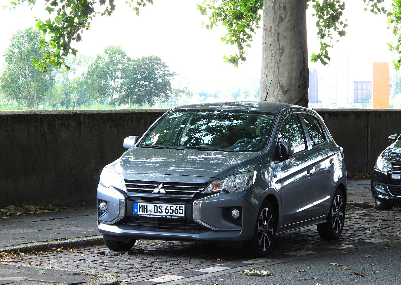 File:Mitsubishi Space Star (facelift, 2020) (Germany).jpg ...