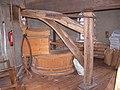 Molen Holten's Molen maalderij, maalkoppel steenkraan.jpg