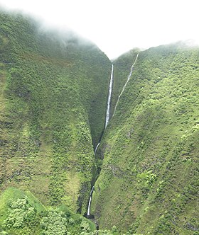 Molokai Waterfall.jpg