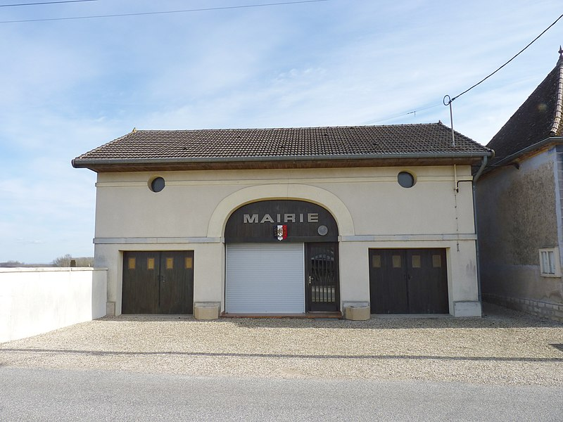 File:Montagny les Seurre 0005.JPG