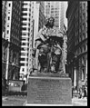 Monument to Mayor de Peyster, Bowling Green, New York City LCCN2004663836.jpg