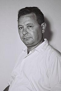 Moshe Carmel 1955.jpg