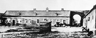 Battle of Thiepval Ridge - Image: Mouquet Farm building before destruction AWM J00181