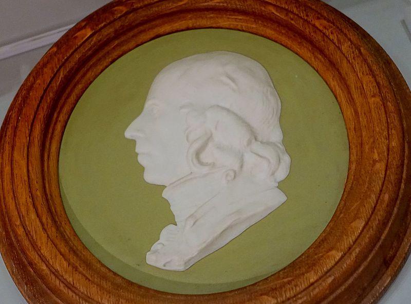 File:Mr. John Flaxman Jr, by John Flaxman Jr, 1787-1794, 19th century copy, green dip,white relief - Wedgwood Museum - Barlaston, Stoke-on-Trent, England - DSC09679.jpg