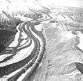 Muldrow Glacier, valley glacier with winding medial moraine, September 3, 1970 (GLACIERS 5193).jpg