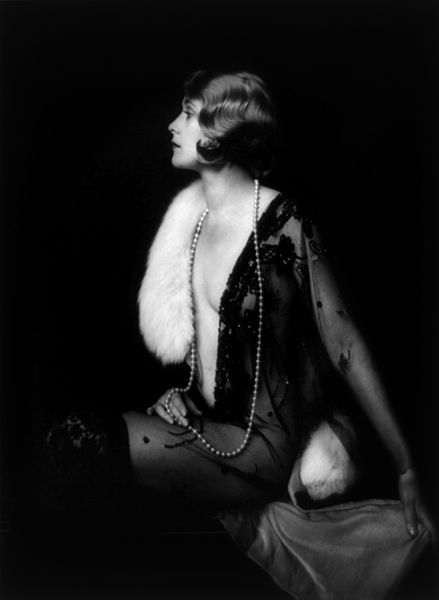 Soubor:Muriel Finlay, Ziegfeld girl, by Alfred Cheney Johnston, ca. 1928.jpg