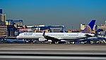 N57864 United Airlines 2001 Boeing 757-33N C-N 32588 (6651983647).jpg