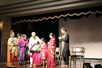 Yamini Krishnamurthy - Image: Natya Shastra Award to Yamini Krishnamurthy