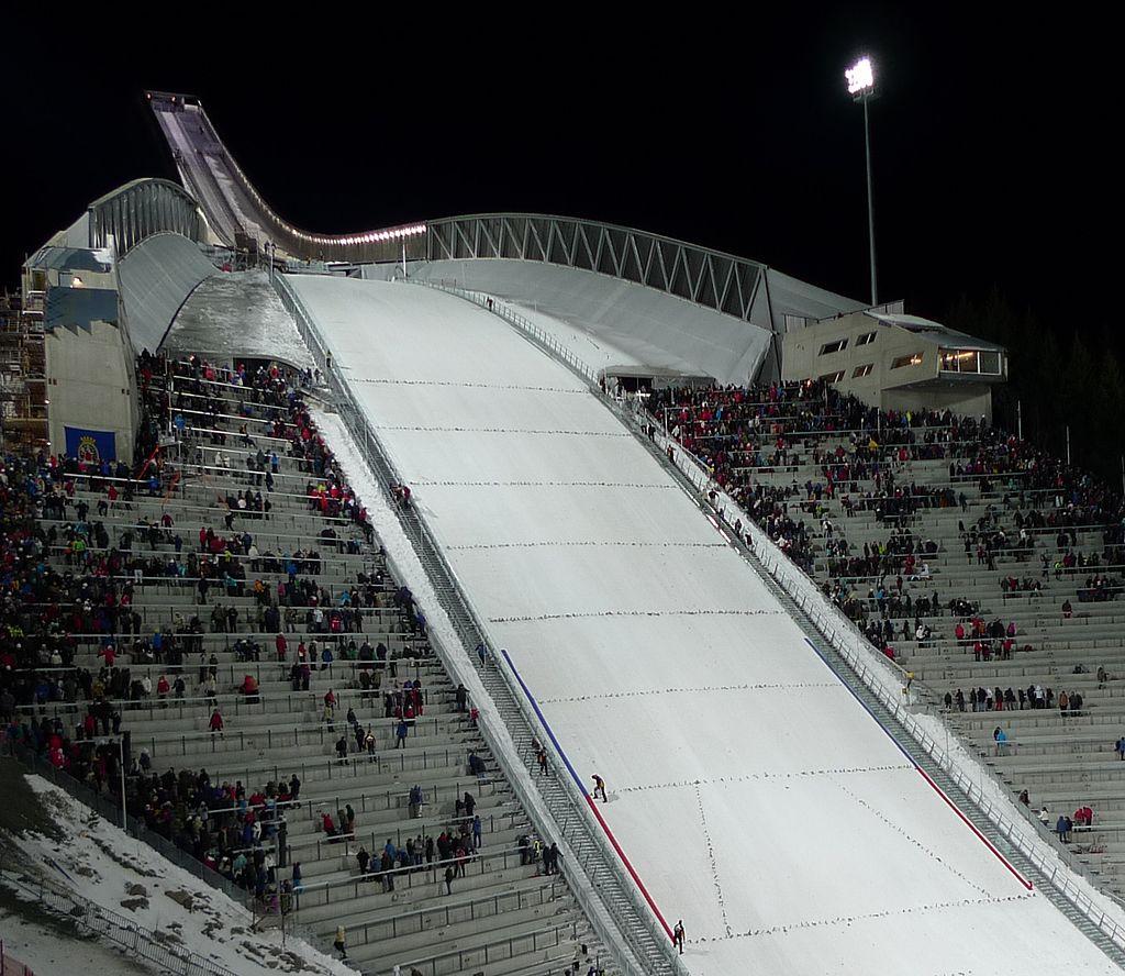 New Holmenkollen ski jump.jpg