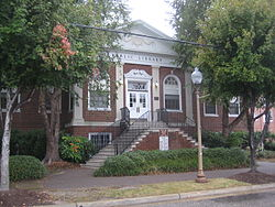 Newport News Public Library (Front Left).JPG