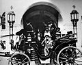 Nicholas II comes out of the Nizhny Novgorod State Bank.jpg