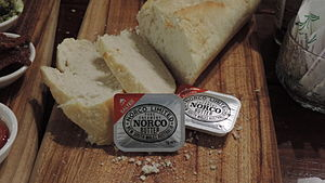 Norco Butter with bread, Jersey Girls Cafe, Thulimbah, Queensland, 2015 01.JPG