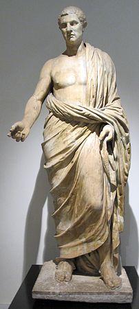 Notabile romano, da villa dei papiri, peristilio rettangolare.JPG