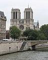 Notre-Dame de Paris sur la Seine.jpg