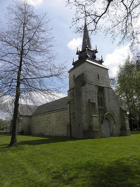 Chapelle Sainte-Noyale sise en Noyal-Pontivy (56). Façade occidentale et flanc nord.