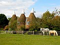 Oast House, Court Lodge Farm, Bodiam, East Sussex - geograph.org.uk - 589071.jpg