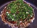 Okonomiyaki type 1 (6088914074).jpg