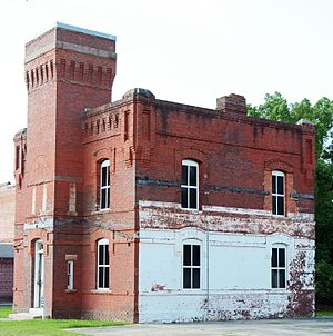 Pierce County Jail - Image: Old jail side, Blackshear, GA, US