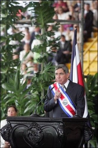 Óscar Arias - Arias in 2006